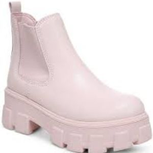 Circus By Sam Edelman Lug Sole Boots. Pink.